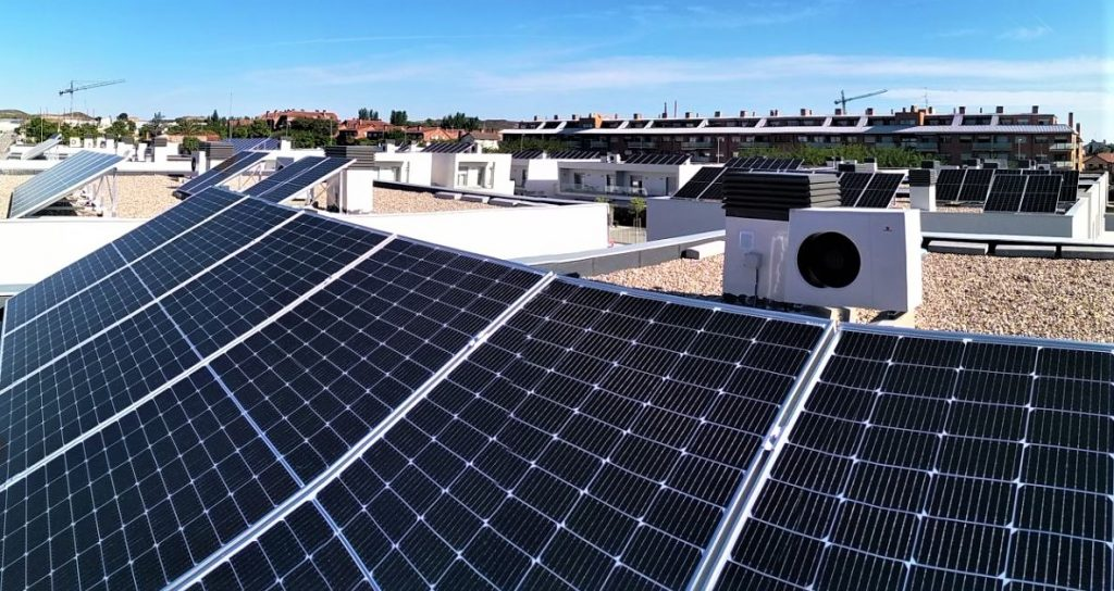 Instalación Fotovoltaica en Urbanización Las Jaras cista azoteas